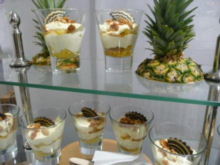 DESSERT / QUARKMOUSSE mit marinierten Ananas - Rezept