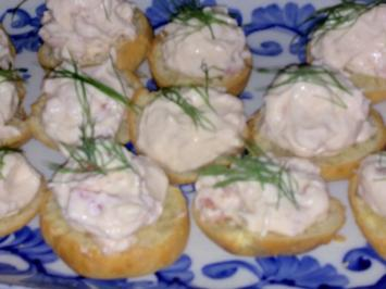 Mini-Windbeutel mit Lachs-Frischkäse-Creme - Rezept