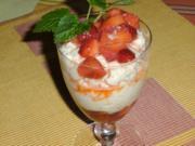 Rhabarbercreme mit marinierten Erdbeeren - Rezept