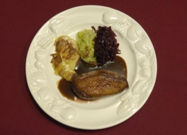 Barbarie-Entenbrust mit Kartoffelgratin, Spitzkohl und Rotkohl (Joachim Witt) - Rezept