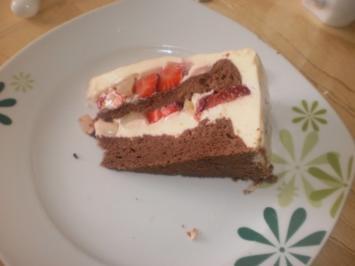 Bayrisch-Creme-Torte mit Erdbeeren und Birnen - Rezept