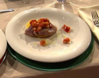 Medaillons vom Thunfisch mit Riesengarnelen und Mango (Isabel Varell) - Rezept