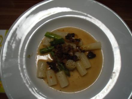 Spargel in Morchelschaum - Rezept