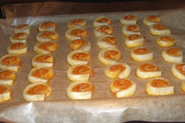 Snack: Mini-Blätterteigschnecken mit Pestokäse und Tomaten - Rezept - Bild Nr. 9