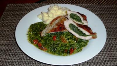 Spinat-Käse Schnitzel mit Kirschtomaten - Rezept