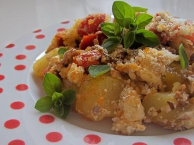 Mediterraner Kartoffel-Hackauflauf mit Ciabatta-Kruste - Rezept
