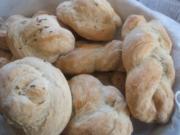 Brot/Brötchen: Mohn- und Kümmelbrötchen - Rezept