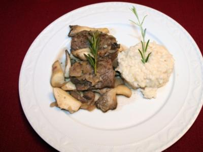 Waldbewohner auf Italienreise - Rehmedaillons auf Kräutersaitlingen mit Risotto - Rezept