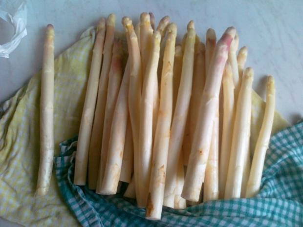 Frischer Spargel mit Schnitzel und Bärlauchsoße dazu Butterkartoffeln - Rezept - Bild Nr. 11