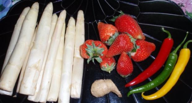 Spargel mit pikant zubereiteten Erdbeersalat - Rezept - Bild Nr. 2