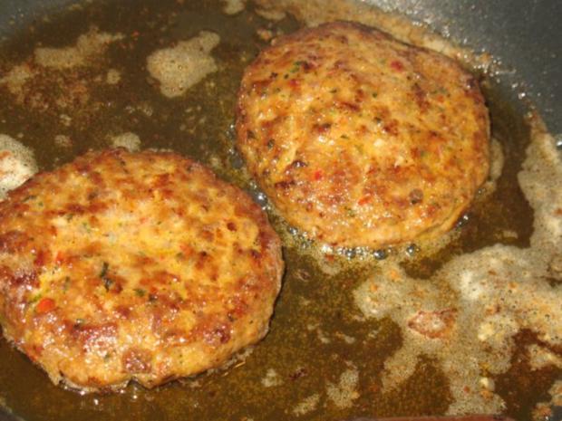 Fleisch - Ajvar-Burger und Ajvar-Bällchen - Rezept - Bild Nr. 12
