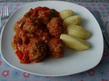 Hackfleischklößchen Balkan- Art - Rezept