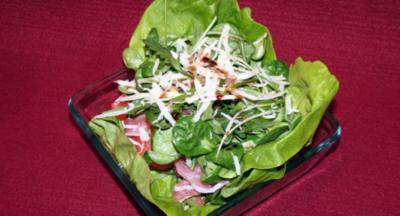 Salat mit Serrano-Schinken und Melone - Rezept