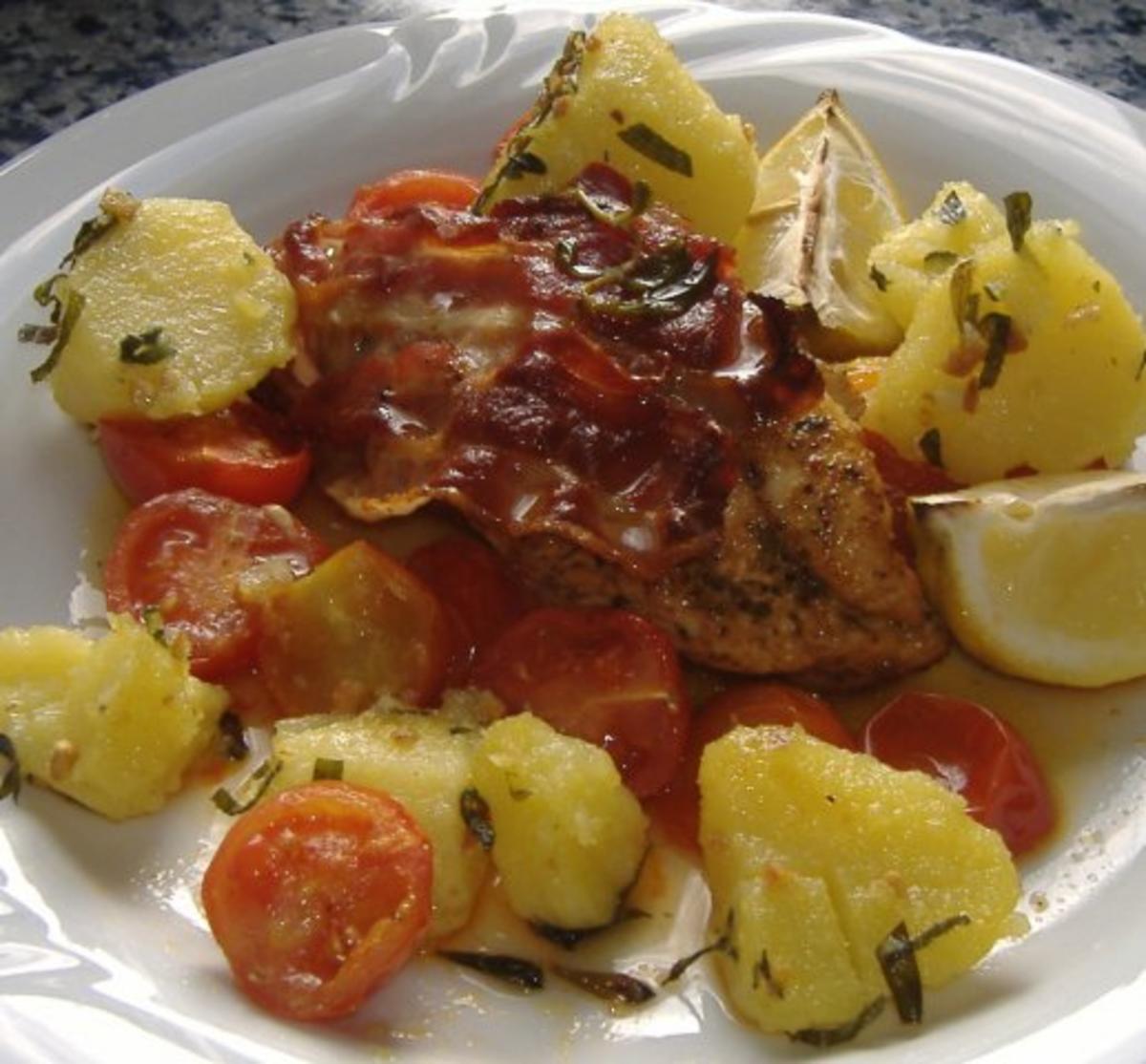 Gebackene Hähnchenbrust mit Speck und Tomaten - Rezept By golfvornholz
