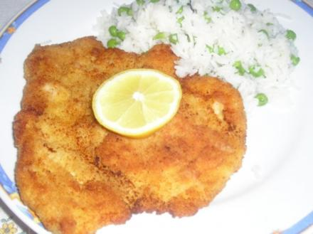 Gebackene Hühnerschnitzel mit Risipisi - Rezept