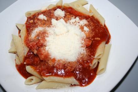 Nudeln mit Tomatensoße - Rezept