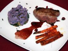 Steak vom Koberind mit Zimtmöhrchen, Kartoffeltrüffelpüree und Salat - Rezept