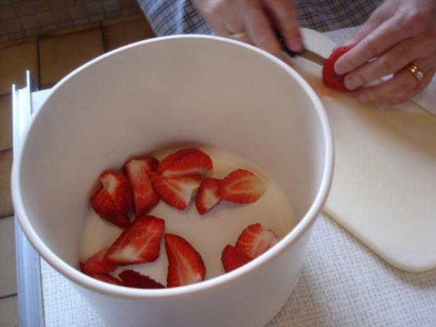 Kleine Erdbeertorte - Rezept - Bild Nr. 8