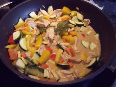 Thai-Huhn in Kokosmilch - Rezept