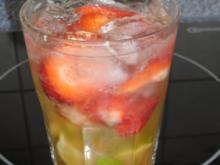 Erdbeer-Caipi-Bowle - Rezept