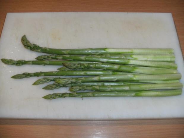 Hauptgericht: Grüner Spargel mit Kürbiskernöl - Rezept - Bild Nr. 3