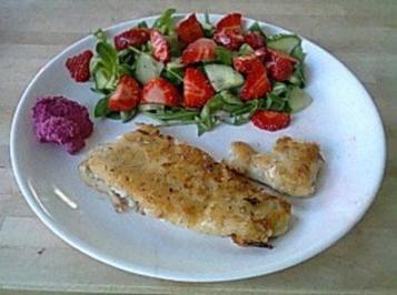 Zitronenkabeljau, Meerrettichcrème und Feldsalat mit Erdbeeren - Rezept
