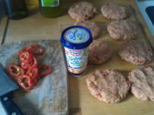 Paprika-Fleischpflanzerl mit Sahnesoße - Rezept