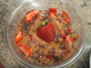 Dessert: Scharfe Schoko-Creme küsst Erdbeeren - Rezept