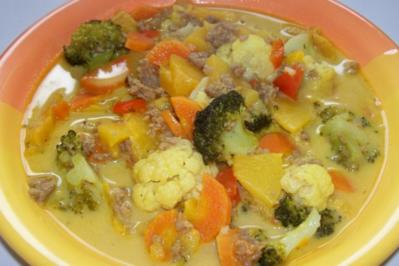Fruchtiges Hack-Gemüse-Curry - Rezept