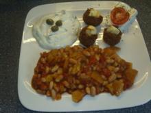 Weisse Bohnenpfanne mit Hackmuffins und Tzaziki - Rezept