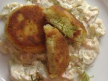 Kartoffelfrikadellen mit lauwarmem Gurkensalat - Rezept