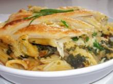 Nudel-Spinat-Auflauf mit Käse-Blätterteig-Kruste - Rezept