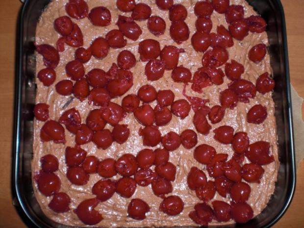 Schoko-Kirsch-Kuchen mit einem Guss, - Rezept - Bild Nr. 7