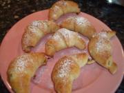 Bratapfel-Hörnchen; süßes Gebäck mit Hefeteig - Rezept