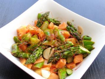 Rezept: Lauwarmer Salat vom grünen Spargel und Papaya