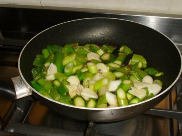Lauwarmer Salat vom grünen Spargel und Papaya - Rezept - Bild Nr. 3