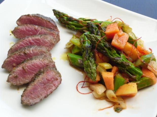 Lauwarmer Salat vom grünen Spargel und Papaya - Rezept - Bild Nr. 7