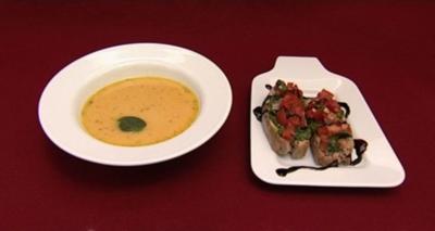 Karotten-Ingwersuppe mit Dubai-Pesto (Senta-Sofia Delliponti) - Rezept