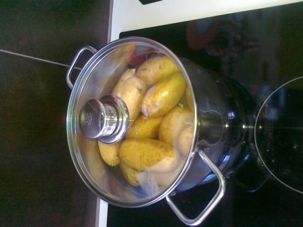 Gesund  Kartoffel -- Pikante Kartoffel Ecken aus dem Ofen.. - Rezept - Bild Nr. 6