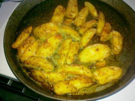 Gesund  Kartoffel -- Pikante Kartoffel Ecken aus dem Ofen.. - Rezept