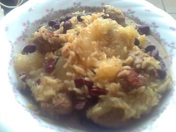 Reispfanne mit Kidneybohnen,Mettklößchen und Grapefruit - Rezept