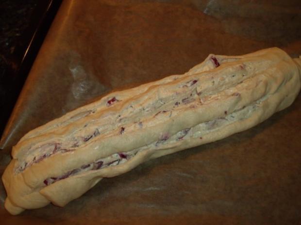 Gerolltes Zwiebelbrot mit Pizzateig - Rezept - Bild Nr. 2