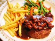 Hamburger Hacksteak mit einer Rotwein-Pfifferlingssoße - Rezept