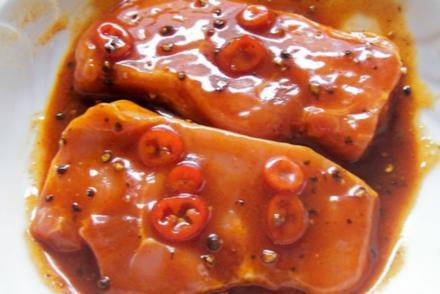 Grillen: Scharfe Chili-Pfeffer-Marinade - Rezept