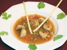 Zitronengrassuppe mit Hühnerhackfleischbällchensuppe - Rezept