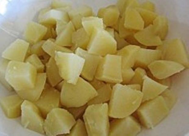 Warmer Kartoffelsalat mit Ei und Knoblauch - Rezept - Bild Nr. 10