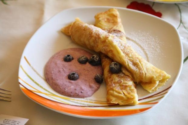 Pfannkuchen  mit Heidelbeer-Eis-Quark - Rezept - Bild Nr. 2