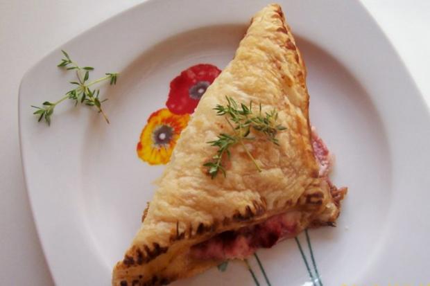 Snack/Vorspeise: Blätterteigtaschen mit Balsamico-Erdbeeren und Ziegenfrischkäse - Rezept - Bild Nr. 8