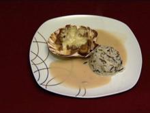 Ragout fin - serviert in der Jakobsmuschel, dazu Wildreisnestchen (Anja Polzer) - Rezept