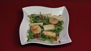 Lauwarmer Spargelsalat mit Jakobsmuscheln (Sissi Fahrenschon) - Rezept